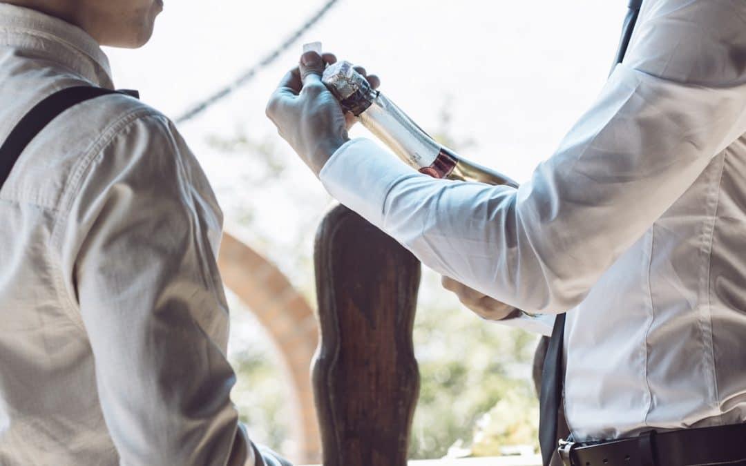 How to write a heartfelt and funny wedding toast